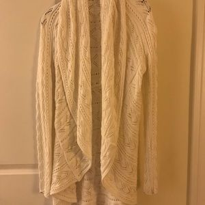 NWOT Cabi white cocoon summer long sleeve sweaterM